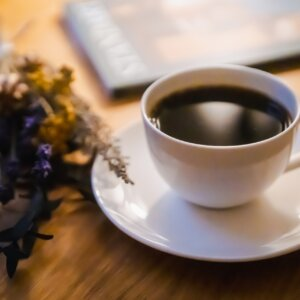 【2021年最新版】ブラックラテ(チャコールラテ)が飲める関東のカフェ6選